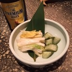 千串屋 - 思いのほか少なめな、白菜ときゅうりの漬物540円