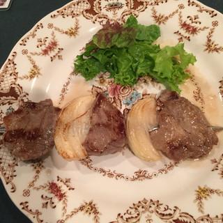 ロシア料理 サモワァール - ほろ酔い祭り 豚肉の串焼き