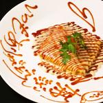 個室×肉×鉄板料理専門店 Enfin - とろ~り、チーズオムレツ あつぅぅぅぅい内に召し上がれ★ 何かメッセージが書かれているかも?
