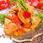個室×肉×鉄板料理専門店 Enfin - さっくさくのパイに鉄板にてじっくりと焼かれたノルウェーサーモンとトマトがサンド♪ ジューシー!