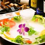 個室×肉×鉄板料理専門店 Enfin - バーニャカウダdeあたためて。 鮮やかなお野菜を自家製ソースで食す!!!