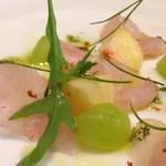 Osteria YOSHIE - 前菜(マツカワカレイと桃のカルパッチョ)