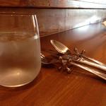 Osteria YOSHIE - お冷、カトラリー