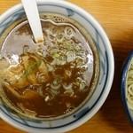つけめん扇や - 料理写真:つけ麺のつゆ