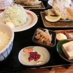山田屋食堂 - ミックスフライ全貌
