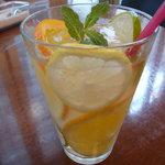 R cafe - オレンジ ライム レモントニック