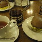 欧風菓子エノモト - モンブランと紅茶