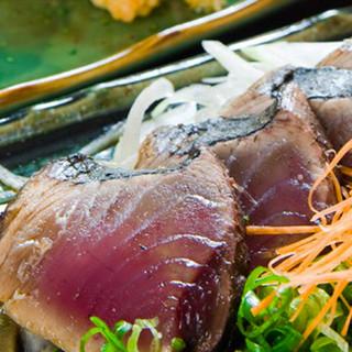 鰹のタタキを塩で食べたことがありますか?素材と製法がウリ