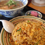 ラーメン・ぎょうざ あじへい - 料理写真:炒飯&味噌ラーメン (2015.08現在)