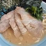 光家 - チャーシュー麺¥900+のり増し¥100