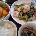 せろりや - バジルと海鮮の炒め物
