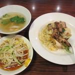 40680178 - 本日のランチ(肉チャーハン、冷やしミニ麺、スープ) 780円