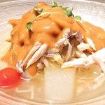 40681012 - バンバンジー冷やし麺 1730円 の地鶏、クラゲ、冬瓜の特製ピーナッツだれ