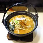 麺屋 こてつ - 味噌鉄鍋らーめん800円