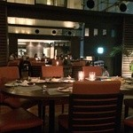RESTAURANT LUKE with SKY LOUNGE - 天井の高い客席