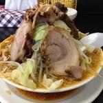 萬馬軒 - 醤油野菜チャーシュー麺