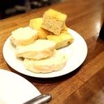 マカロニ - 追加のパン