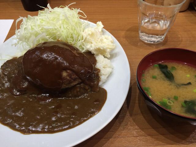 キッチン たか - バーグカレー(1050円)