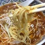 こだま - 麺は細麺のストレートかな
