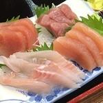 こだま - お刺身定食の美味しそうなお刺身4種盛り。