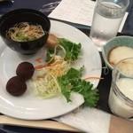 40687605 - 朝ごはん★                       バイキングで白石温麺など!