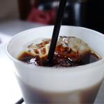 カフェ スクラップ - 今日はアチィからアイス珈琲