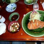 とんかつ元禄 - 豚カツ定食2100円