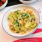 スントゥブ オッキー - サラダ