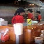 博多っ子 - 厨房は大忙し