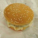 ドムドムハンバーガー - 厳選ナチュラルチーズバーガー 単品360円