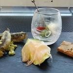 Felicelina - アミューズ(稚鮎フリット、豚のリエット、水茄子と生ハム、オリーブとドライトマト)