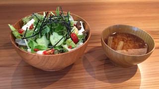 ネオ ガーデン カフェ - 美魔女丼
