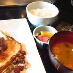 鉄板焼 一徹 - 【食事】御飯、味噌椀、香の物