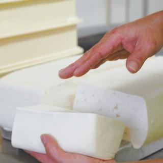 国産大豆100%天然にがりで作ったあいあい地釜豆腐