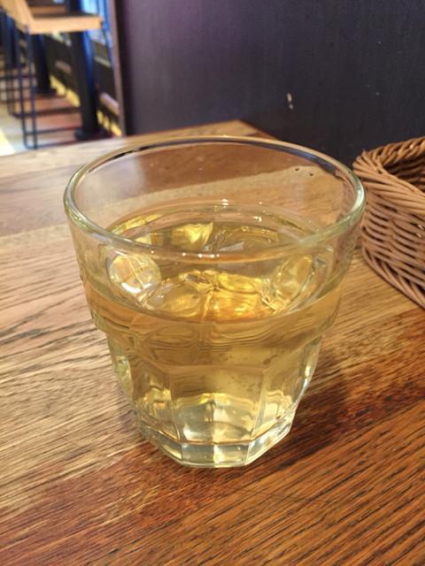ホメラ テキサコ カフェ アンド テーブル - ハスとキンモクセイのお茶がサービス