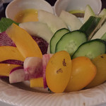 ザ グラブ - バーニャカウダ。色とりどりで様々なお野菜に、ソースが絶妙でした。