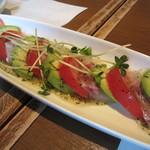 ぐう - 白身魚とアボカドのカルパッチョ。絶品