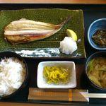 40703587 - ランチメニュー、本日の焼き魚定食です。この日は真ほっけでした。(2015年8月)