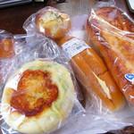 ボンデセール - 料理写真:パン
