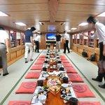 三河屋 - 屋形船内のお座敷席の風景です