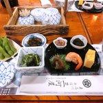 三河屋 - 梅コース 10800円 の先付、前菜、小鉢、香の物