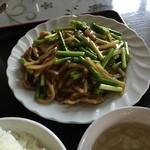 中国料理 多喜屋 - ニンニクの芽と豚肉