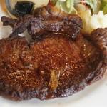 パタティ パタタ - 肉の部位を心得た 焼き