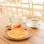 アンファーム - 旬のフルーツと味わうしっとりパンケーキセット (1242円) '15 7月中旬
