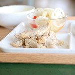 206 - 鶏もも肉のバスク仕立て (単品250円) '15 7月中旬