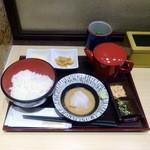 築地寿司清 - 鯛胡麻だれモーニング670円