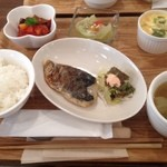 野菜とさかな - お魚プレートランチ