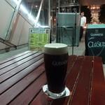 ダブリナーズ カフェ&パブ - ギネス1PINT:500円
