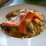 イル・トゥルッロ - 彩り野菜とスモークサーモンの冷製スパゲッティ