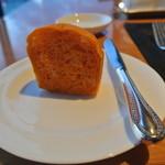 スカイレストランアンドラウンジ L&R - トマトのパン